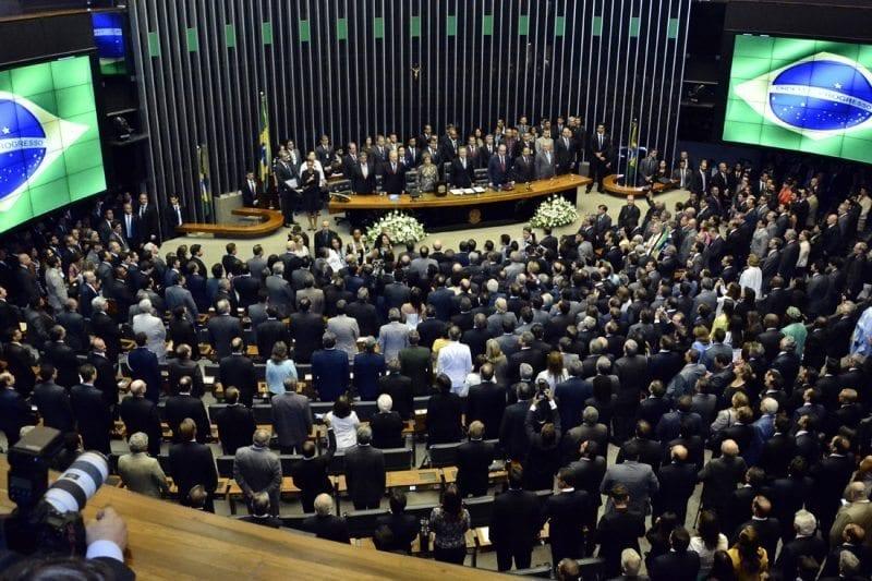 Sem quórum, votação da dívida dos Estados é adiada