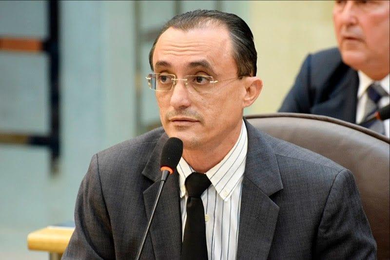 Projeto propõe obrigatoriedade de afixação da escala de plantão de médicos