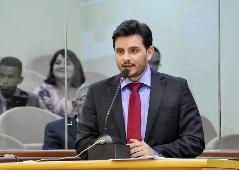 Deputado Carlos Augusto Maia destaca a importância do transporte gratuito para pessoas com deficiência