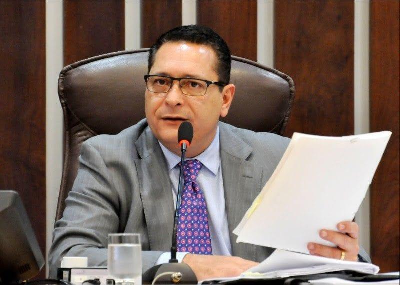 Deputado Ezequiel apresenta pleitos para saúde, recursos hídricos e recuperação de estradas
