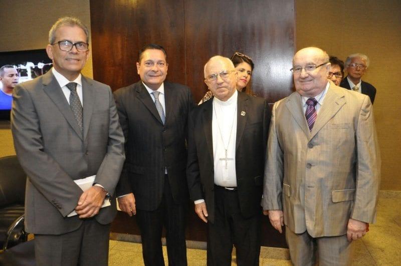 Presidente Ezequiel Ferreira reafirma apoio da Casa ao esforço dos bispos por melhoria hídrica