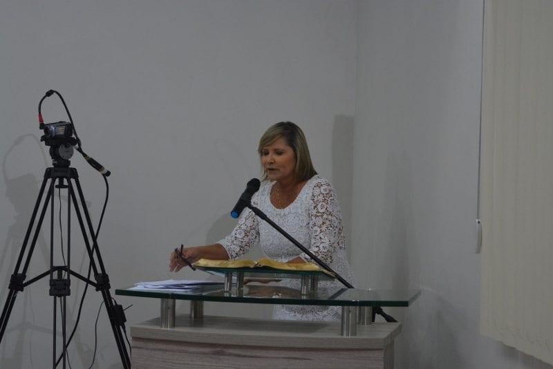 """Mesmo com o MP recomendando suspensão do contrato, secretária de Educação de Parnamirim afirma que """"faria tudo novamente"""""""