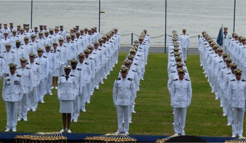 Marinha abre concurso para admissão à Escola Naval; salários de até R$ 10,9 mil