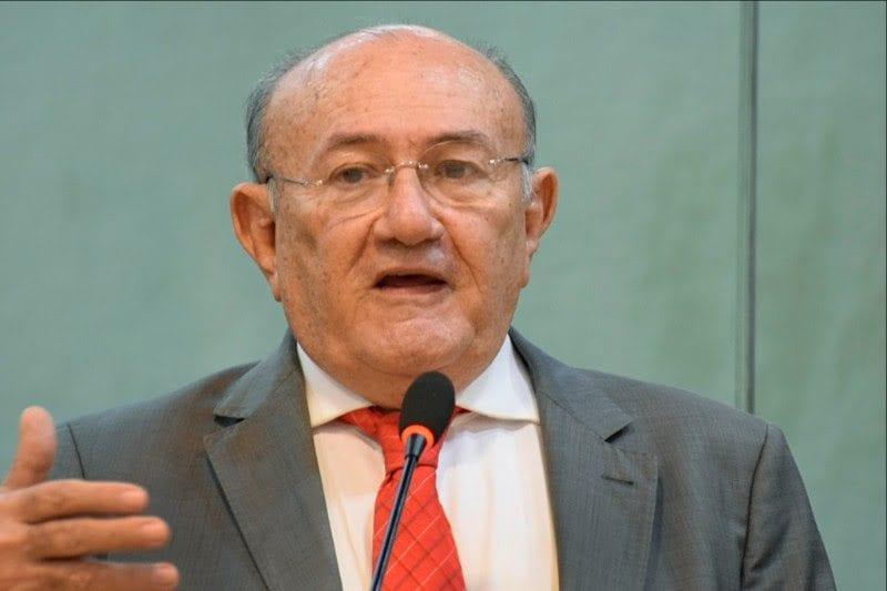Deputado Vivaldo Costa reivindica ao governo que perfure poços tubulares em bairros de Caicó