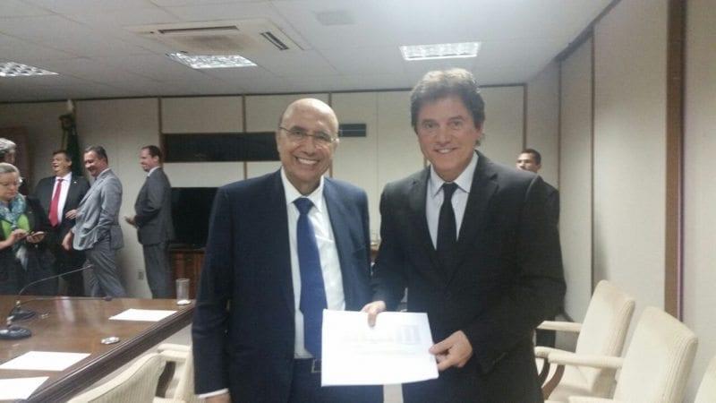Robinson entrega ao ministro da Fazenda propostas para recompor receita