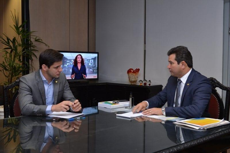 Em reunião com ministro, Rafael Motta solicita investimentos para Terminal Salineiro de Areia Branca
