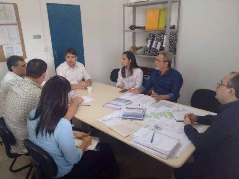 Secretário da Semarh visita obras da Barragem de Oiticica