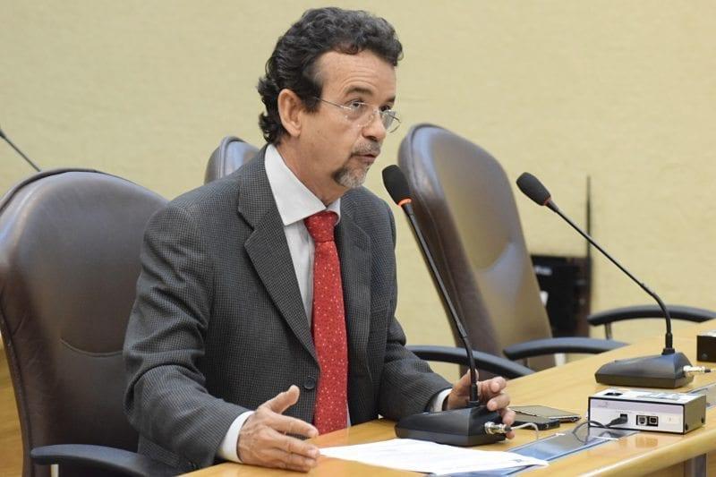 Deputado Mineiro quer informações do Governo sobre irregularidades no contrato da Arena das Dunas