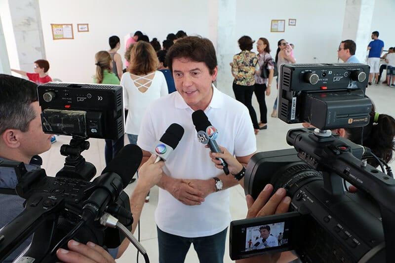 Governador afirma que é preciso o eleitor olhar o contexto do Brasil para dar seu voto