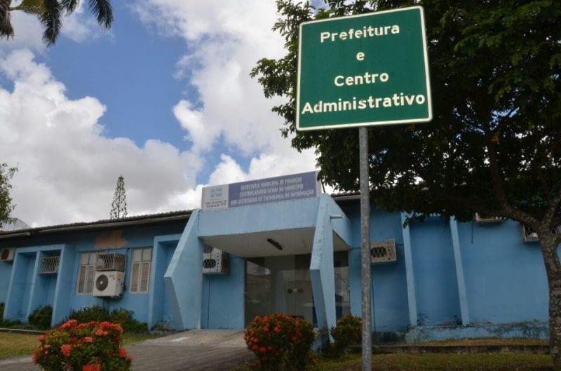 Prefeitura de São Gonçalo antecipou 13º salário de todos os servidores