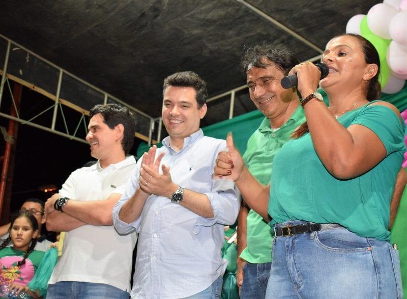 Em Pendências, Walter Alves participa de comício de Flaudivan e Preta