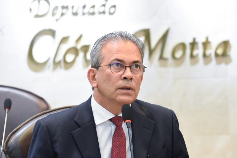 Deputado Hermano repercute denúncia sobre empresa que comprou poços de petróleo no RN