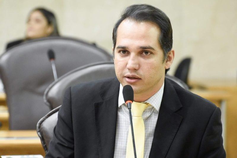 Deputado Kleber Rodrigues se reúne com prefeitos da AMLAP e secretários, região ganhará delegacia