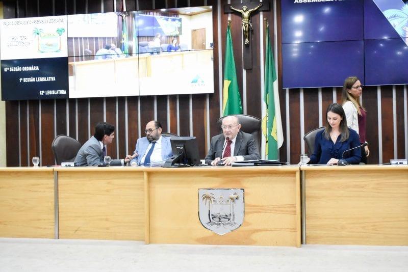 Deputados enaltecem trabalho da comissão de saúde em prol do Varela Santiago
