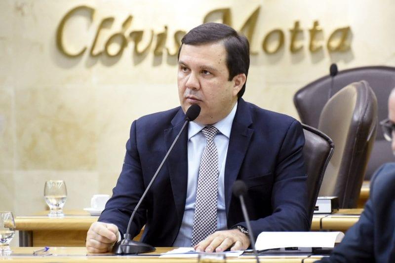 Deputado Galeno critica sugestão da Câmara de cobrar construção de hospital regional