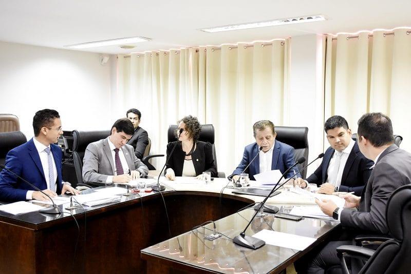 CCJ analisa e discute quatro matérias na reunião
