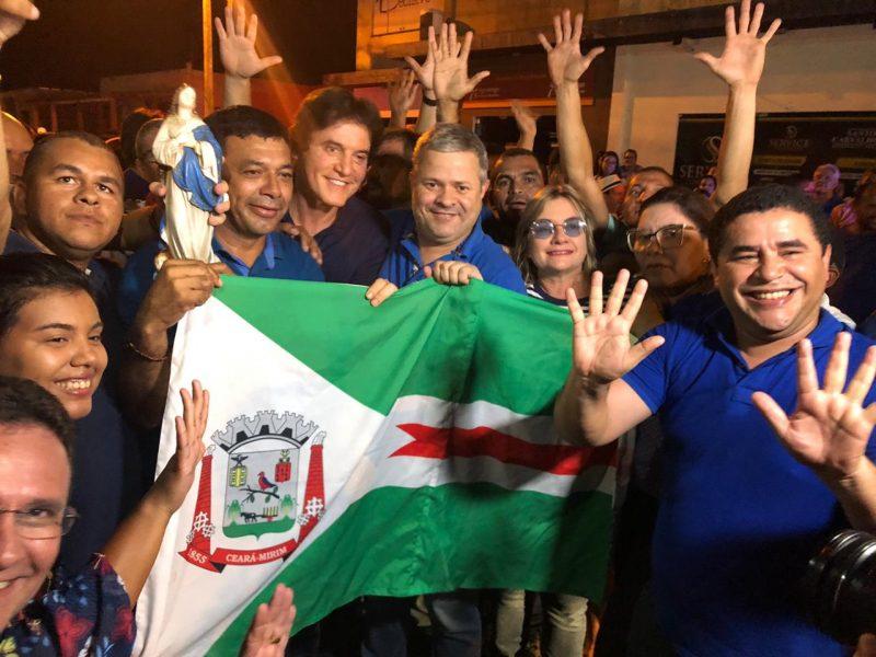 Ex-governador Robinson Faria na festa da vitória de Júlio César em Ceará-Mirim