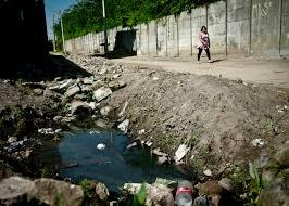Litoral do Nordeste enfrenta dupla poluição: esgoto e óleo
