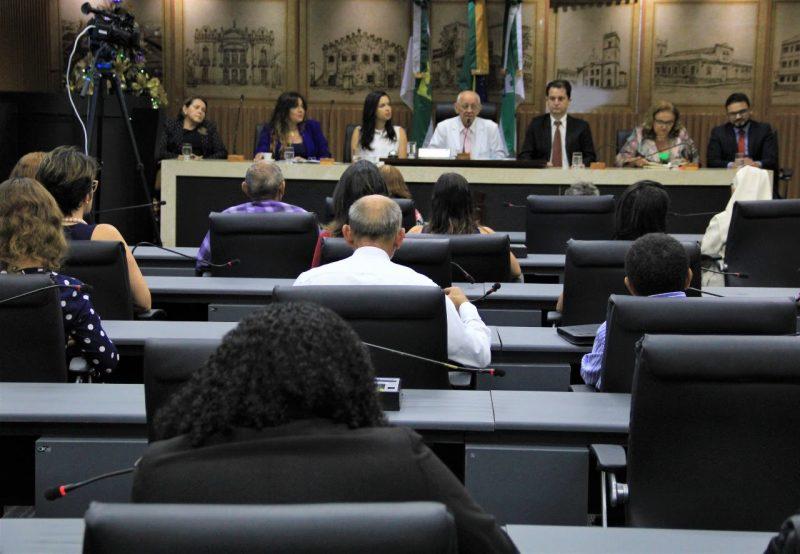 Vereadores debatem sobre políticas públicas para pessoas idosas