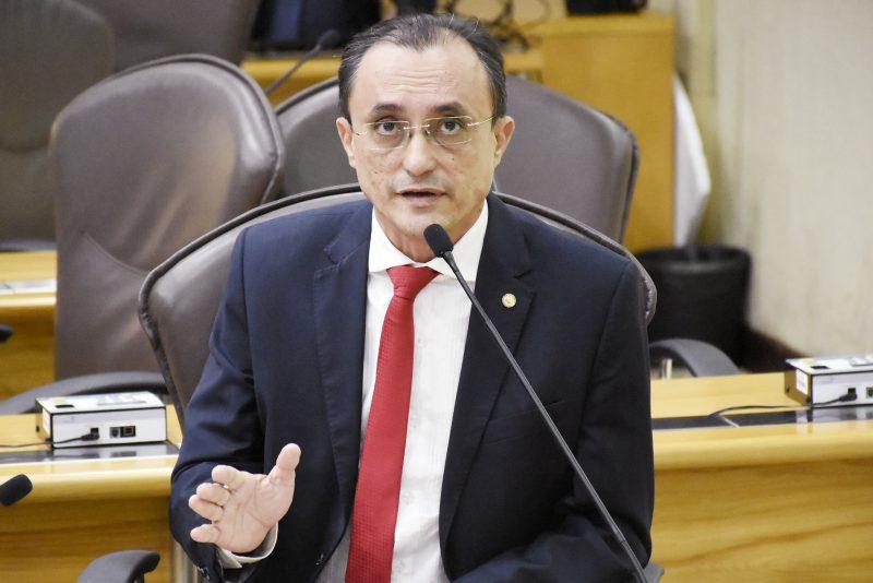 Deputado Souza defende redução de carga horária para servidor com necessidades especiais
