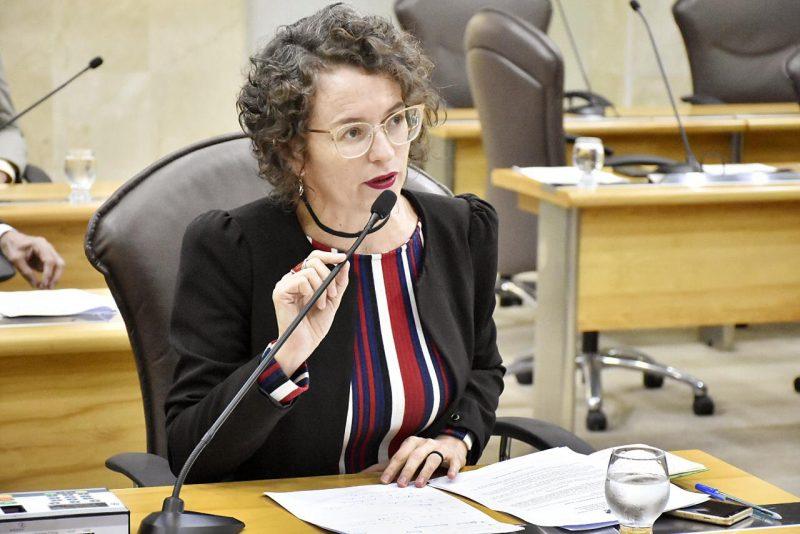 Deputada Isolda pede antecipação de formandos de medicina para atuarem no controle do novo Coronavírus no RN