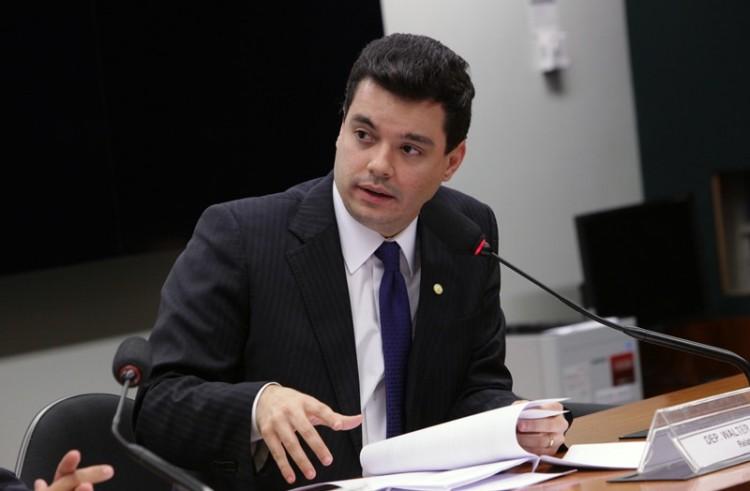 Deputado Walter cobra explicações sobre saída da Petrobras do RN