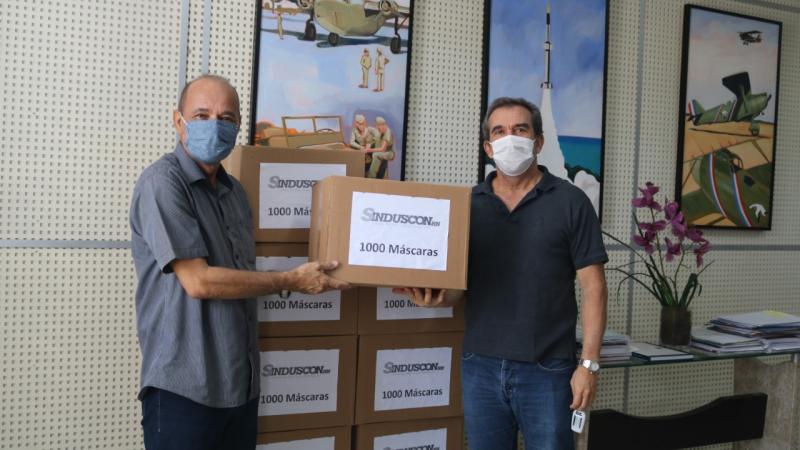 Juntos contra a Covid-19: Sindicato doa máscaras para prefeitura
