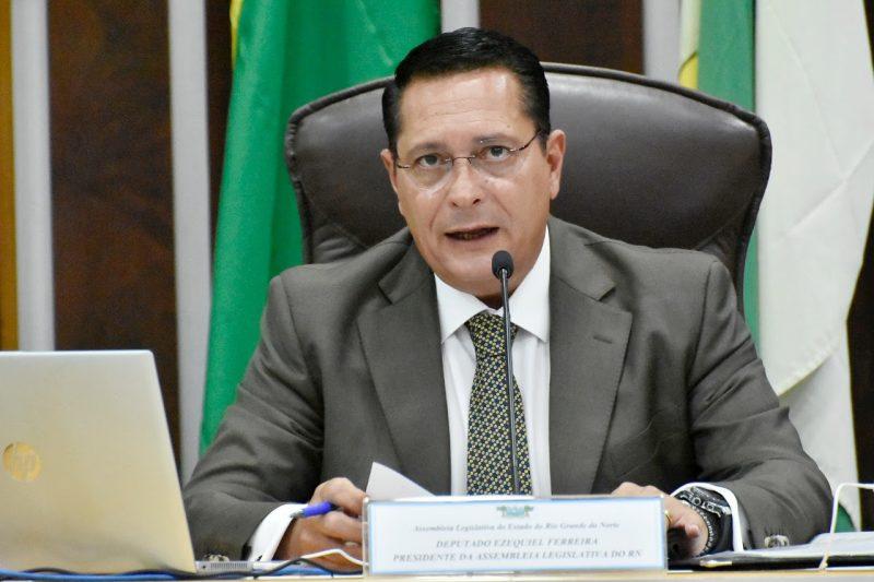 Deputado Ezequiel pede a ministros potiguares que duplicação da BR-304 seja prioridade para o RN