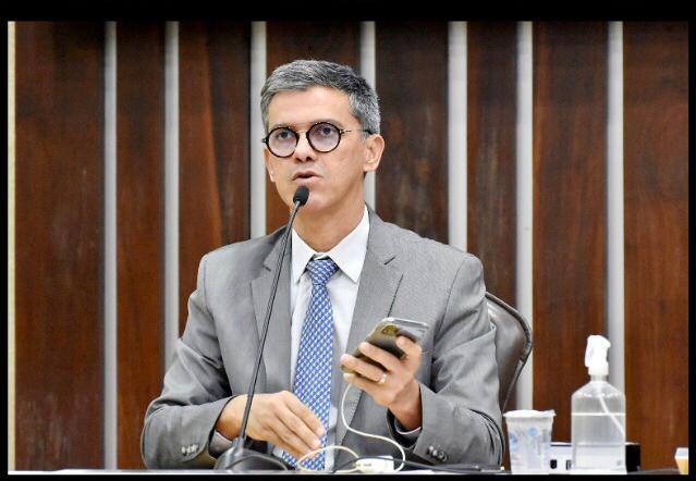 Coronel Azevedo destaca importância do auxílio emergencial na redução da pobreza no Brasil