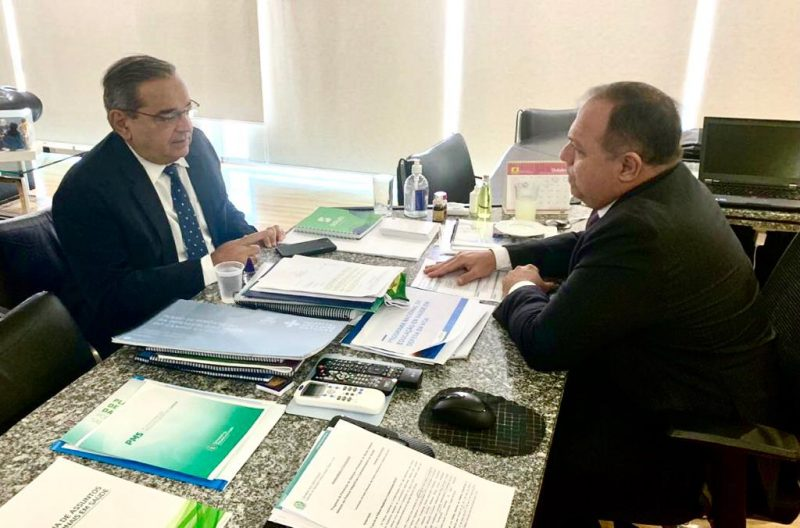 Prefeito leva projeto de novo Hospital Municipal a ministro da Saúde