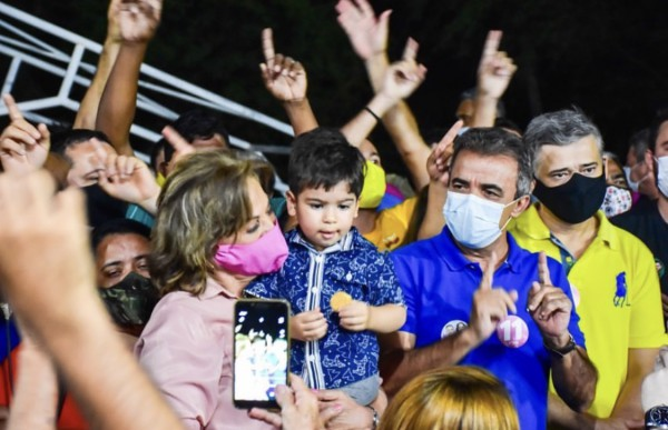 Rosalba se licencia do cargo de Prefeita para a reta final da campanha