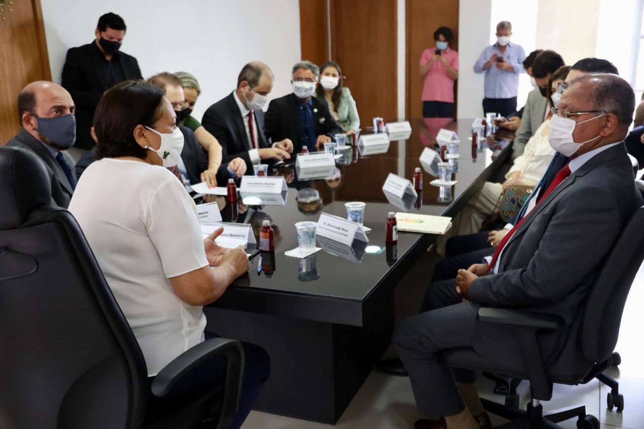 Governo assina acordo com TJRN para negociações e cobrança da Dívida Ativa