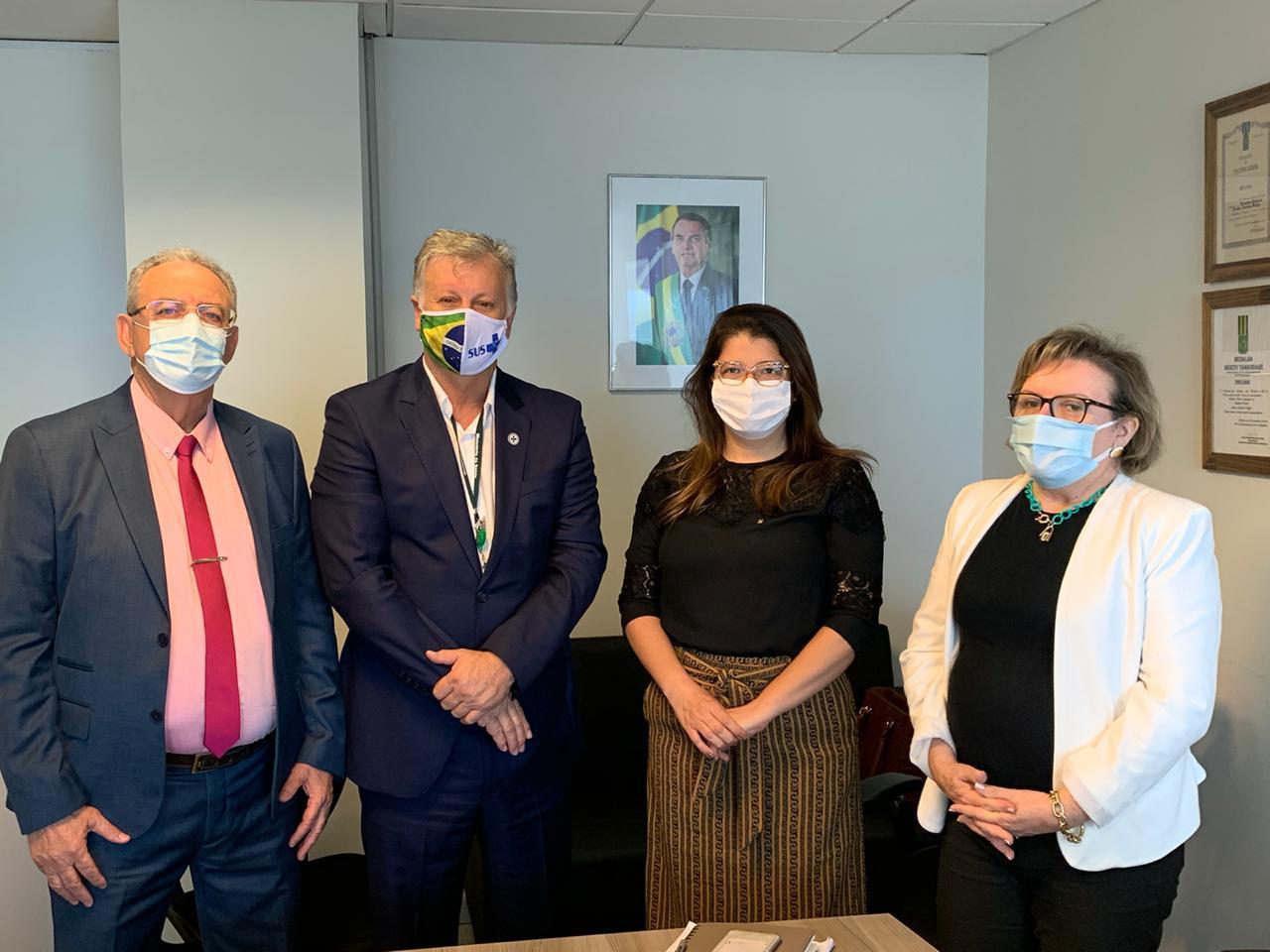 Carla  Dickson vai ao Ministério da Saúde com o secretário George Antunes para tratar  sobre o aumento nos casos da COVID