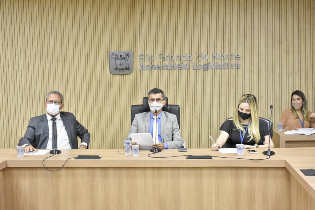 Assembleia Legislativa homenageia ex-deputados Francisco de Brito Guerra e Patrício Júnior