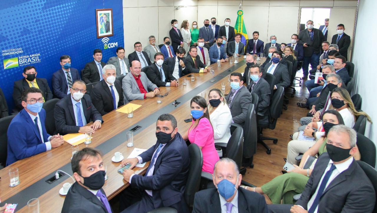 Ministro Fábio Faria recebe prefeitos e vereadores eleitos no RN