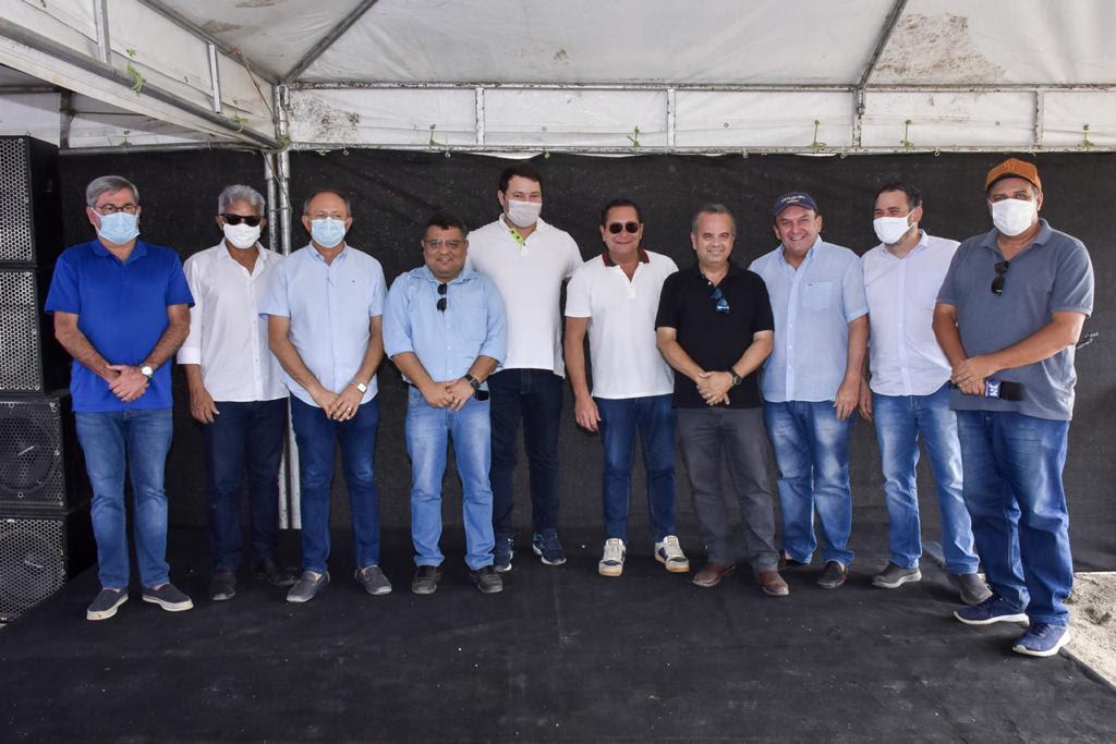 Em Oiticica, Rogério Marinho e Ezequiel anunciam mais R$ 40 milhões para obra