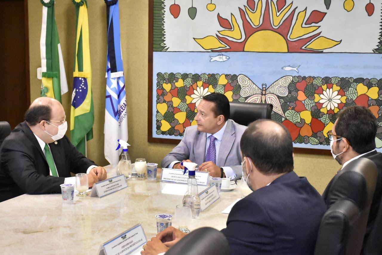 Superintendente da Funasa no RN apresenta projetos a presidente da Assembleia