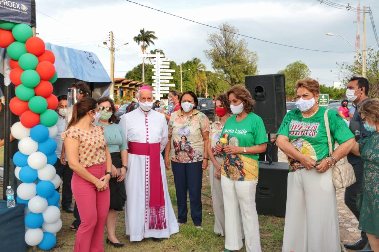 Governadora exalta esperança e fé no encerramento da Festa de Santa Luzia