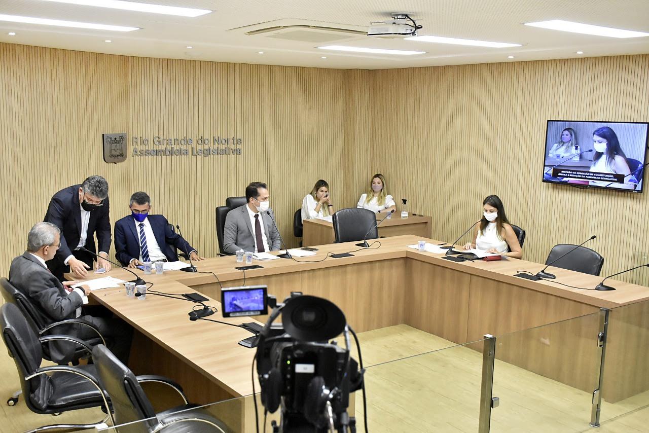 CCJ aprova política estadual de proteção dos direitos da pessoa com TEA