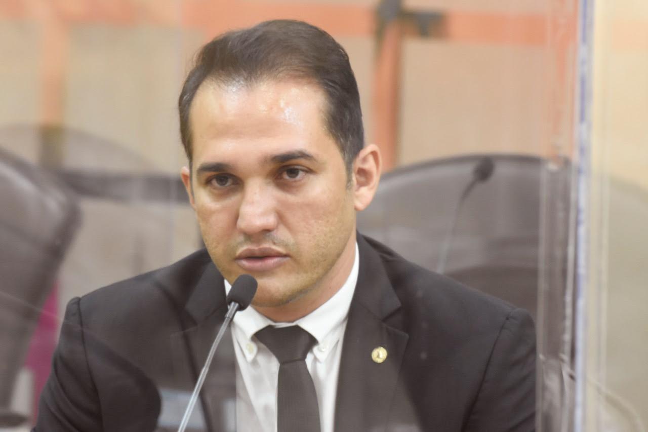 Comitê de Imprensa fará entrega da placa Parlamentar do Ano a Kleber Rodrigues