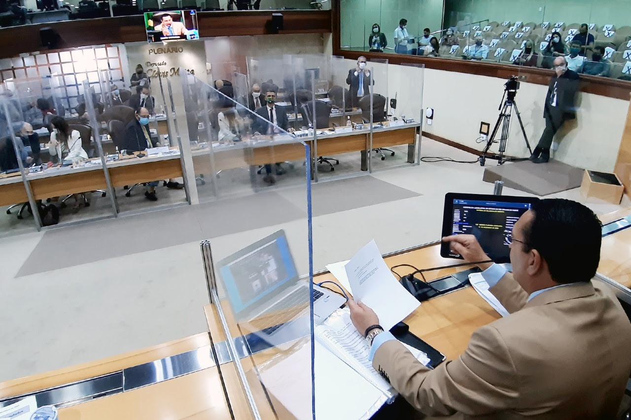 Deputados aprovam PEC da emenda impositiva com mais autonomia aos municípios