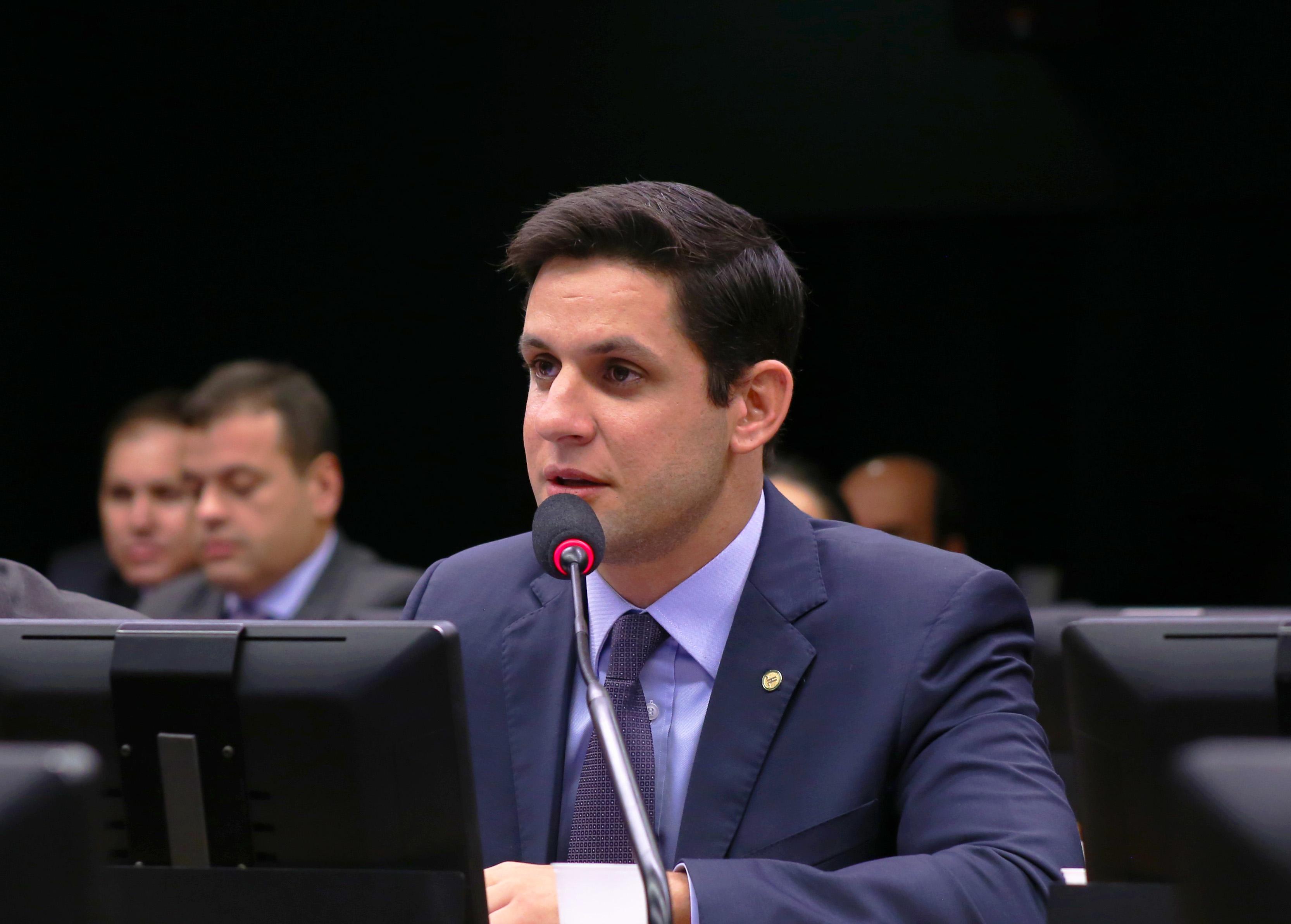 Rafael Motta cobra explicações sobre fechamento de agências do Banco do Brasil no RN