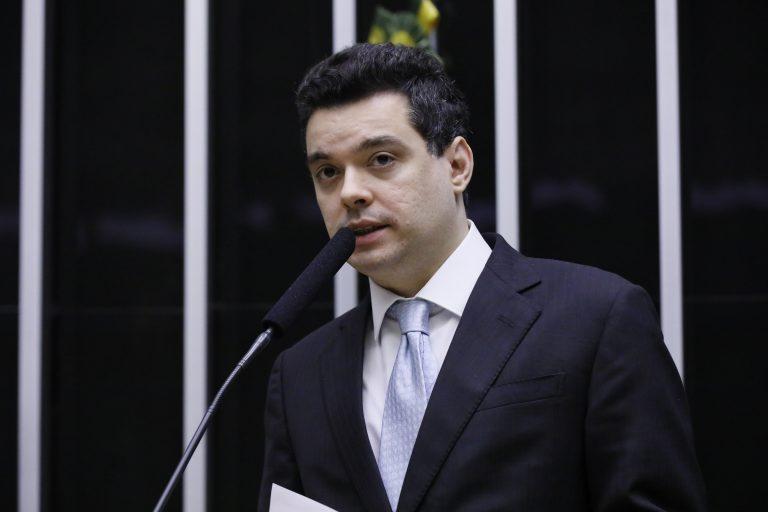 Deputado Walter Alves defende parcelamento das dívidas de Estados e Municípios com o INSS