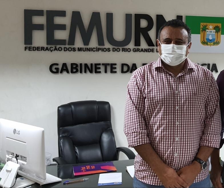 Presidente da Femurn defende que governo federal continue liderando vacinação