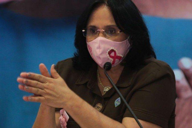 Damares Alves anuncia Plano de Enfrentamento ao Feminicídio para março