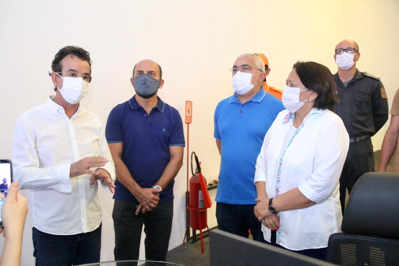 Governadora acompanha toque de recolher através de câmeras do Ciosp