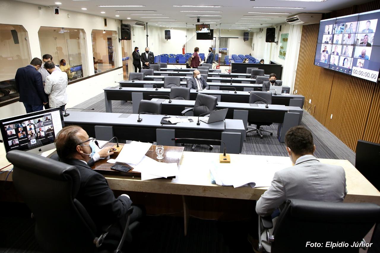 Câmara de Natal aprova em regime de urgência Lei que garante compra de vacinas