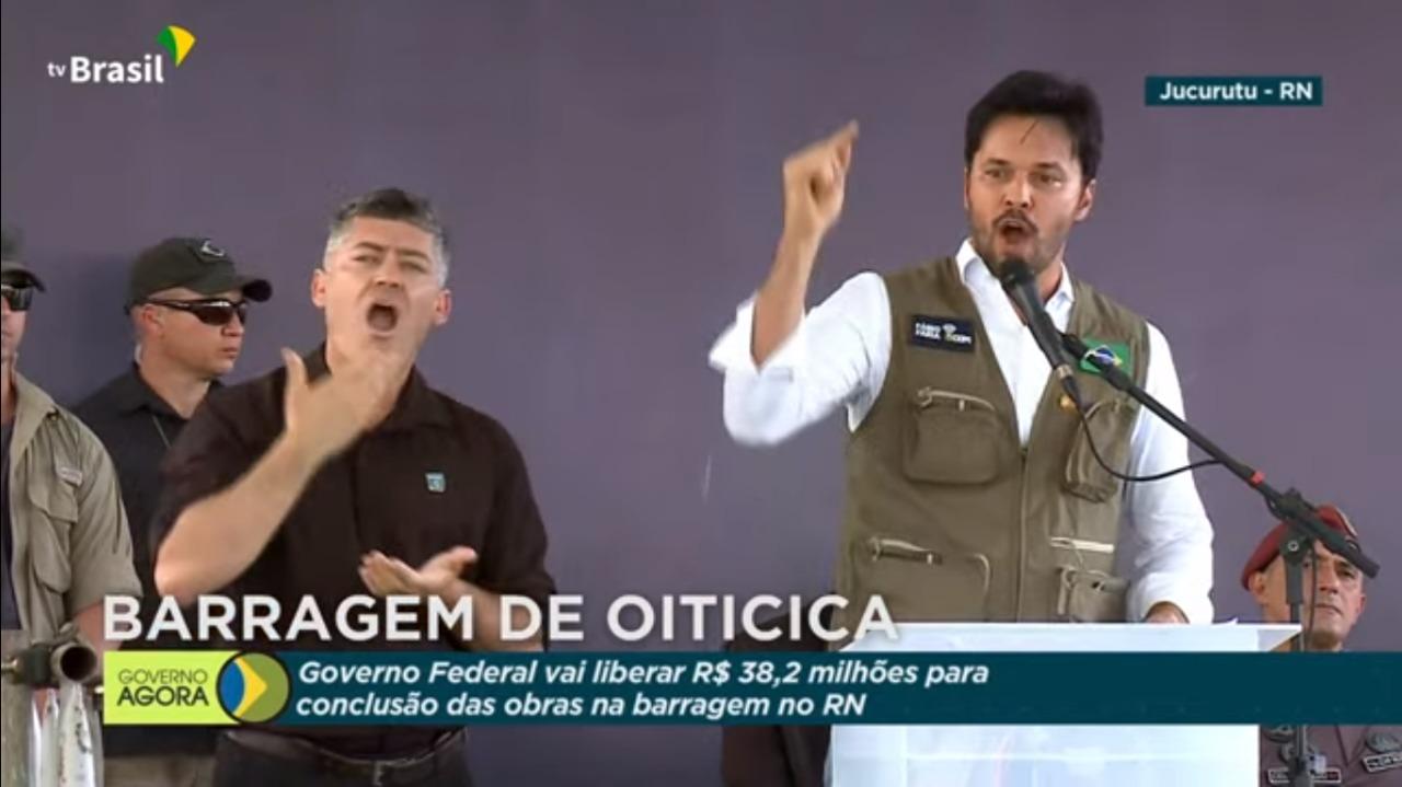 """Fábio Faria volta a atacar Fátima Bezerra e chama Bolsonaro de """"governador do RN"""""""