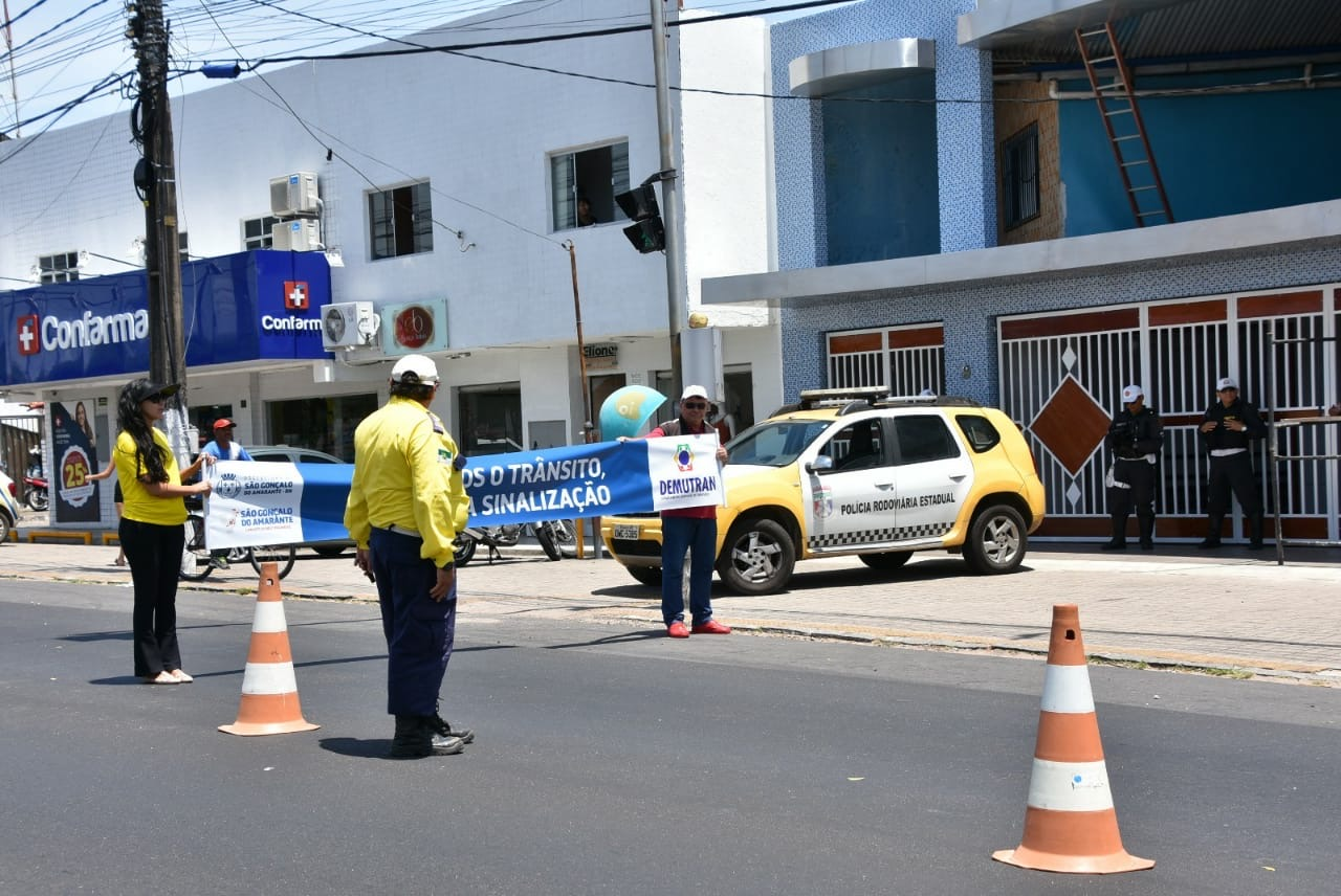 Demutran realiza treinamento de direção defensiva para motoristas de transporte público e escolar de São Gonçalo