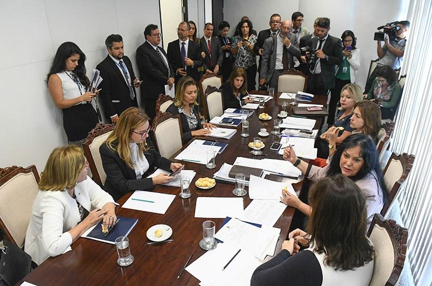 Bancada feminina do Senado emite nota de repúdio às declarações de Styvenson Valentim